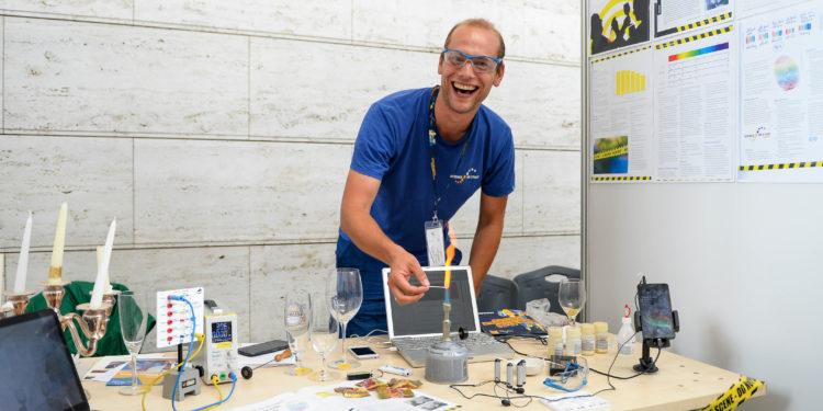 Projektin esittelyä Science on Stage Festivaaleilla 2017.